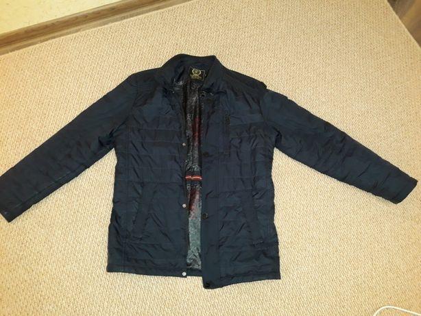 Продам демисезонную мужскую куртку