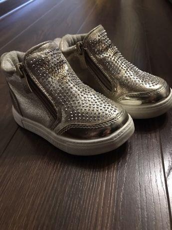 Обувь для девочки 20-23р