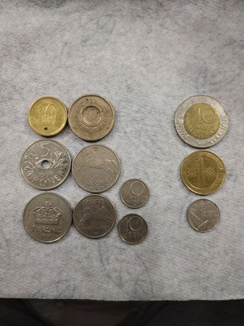 Монети разных городов крони марки Норвегия Финляндия Швеция Франции