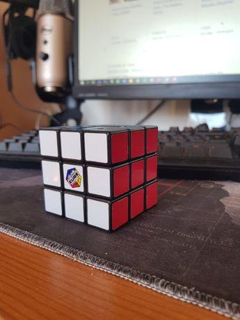 Cubo de Rubik Oficial