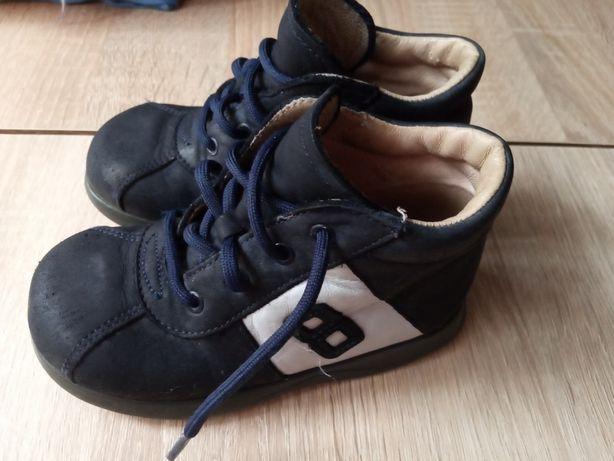 Очень крутые ботинки на мальчика