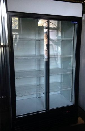 Холодильник-шафа (вітрина вертикальна) Б/В справна