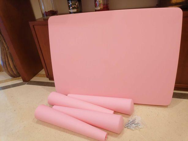 Mesa e Cadeira Rosa Mammut IKEA