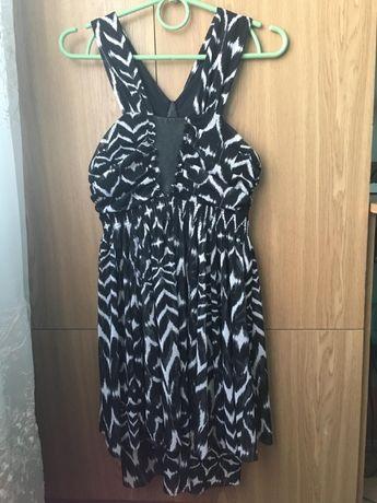 Новое женское черное платье H&M 44-46 р(обмен /продажа)