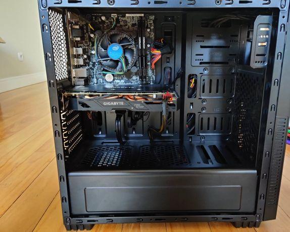Komputer RX570 RGB/I5 7400/ 16GB RAM