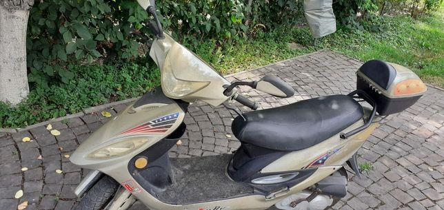 Продаю китайський скутер