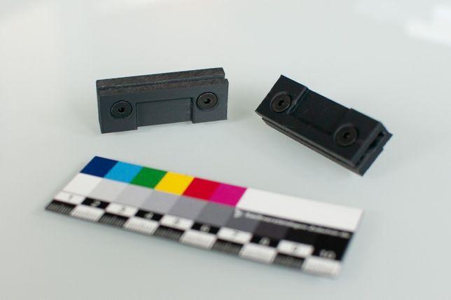 Uchwyt pokrywy gramofonu Technics montowany w zawiasy
