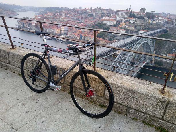 Bicicleta estrada Urbana Shimano Tiagra GRX Travões Deore XT Hope Pro