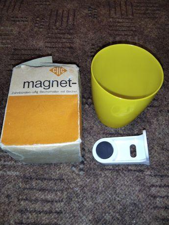 Винтажный стаканчик на магните.