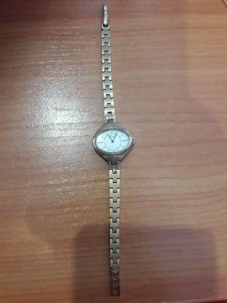 """Винтажные рабочие 60-70-х годов женские часы """"Луч"""" Позолоченные."""
