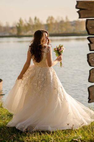 Весільна сукня, свадебное платье, р.44-46, колір айворі