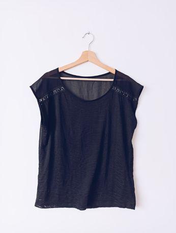 Czarny t-shirt z nadrukiem i prześwitującym tyłem L