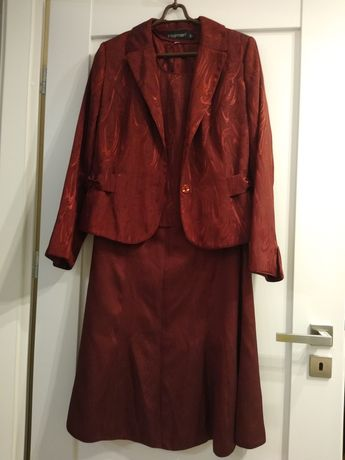 Garsonka /kostium bordowy r.40