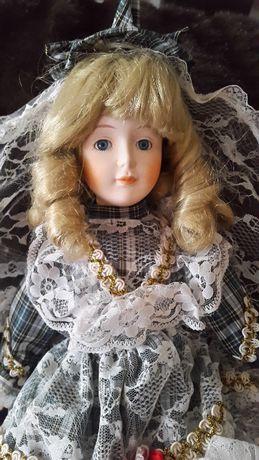 Boneca de Porcelana com véu