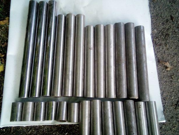 Труба нержавеющая магнитная д.57