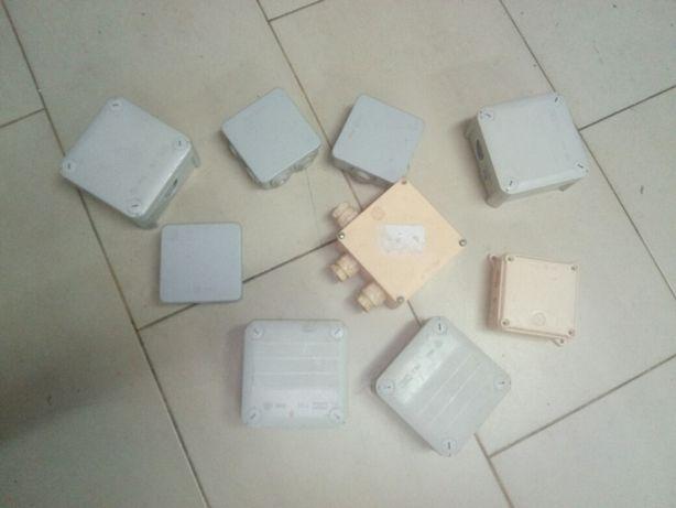 Caixas de derivação.