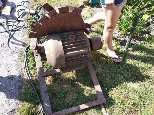 Silnik 7kw z przewodem