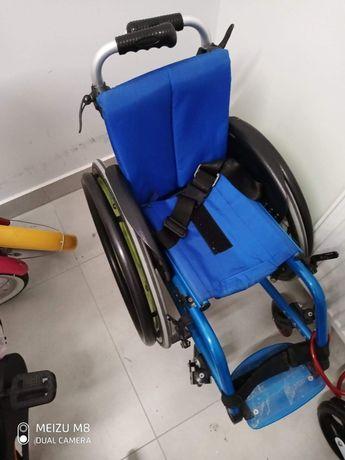 Wózek aktywny dla dziecka niepełnosprawnego Ottobock avantgarde