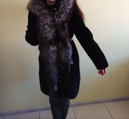 Шуба з мутона капюшон чорнобурка