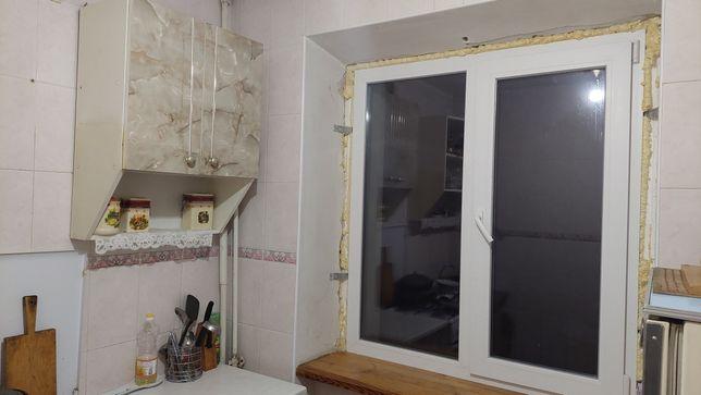 Продам 2к квартиру на Зарічанській