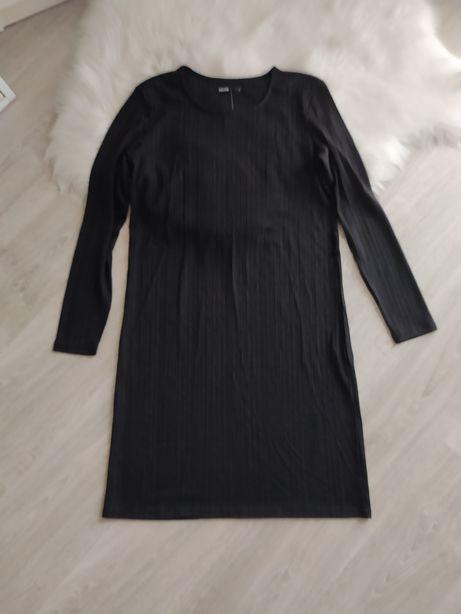 Nowa czarna sukienka prażkowana z dlugim rekawem prosta Cropp 36 S
