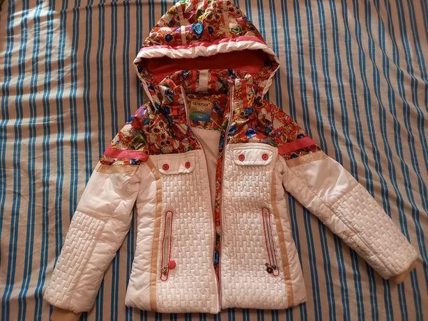 Курточка весенне-осенняя для девочки 6-7 лет