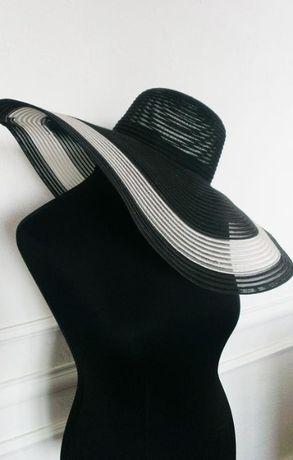 Роскошная широкополая шляпа на пляж и для города