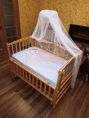Продается новая детская кроватка Geoby (деревянная) 12500 руб