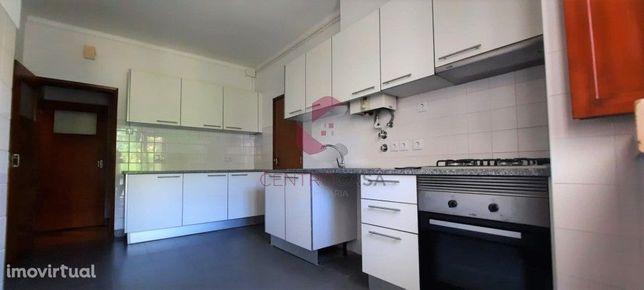 Apartamentos T4+1 Restaurado Celas