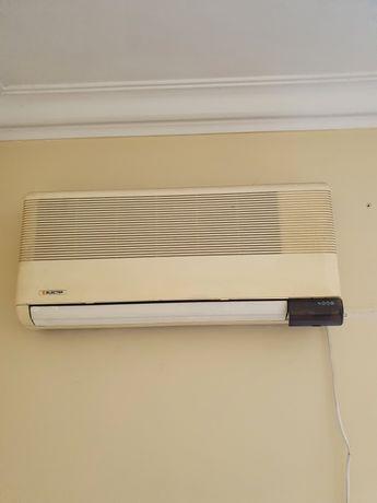 Ar condicionado ELECTRA a funcionar em perfeitas condições