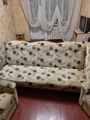 Диван с креслами и пуфиком