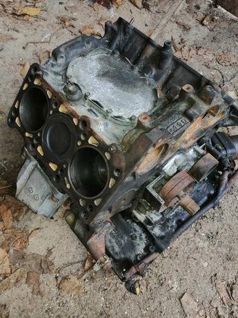 Продам блок двигателя Ауді 80 АВС 2.6