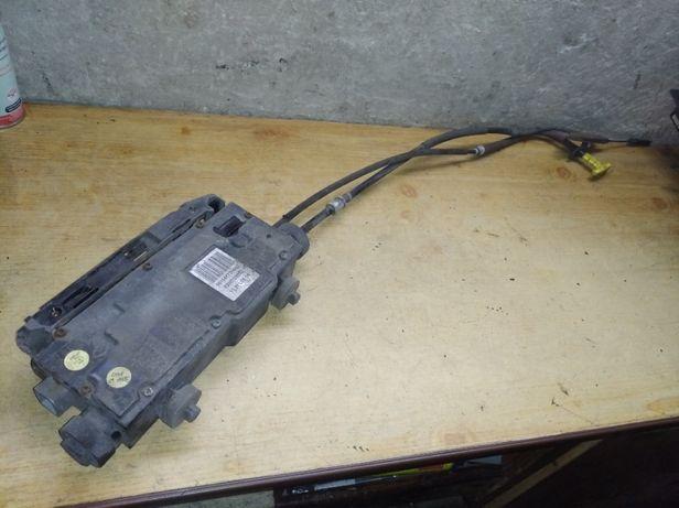 Renault Scenic II 2 elektryczny hamulec ręczny 8200.702.092 i inne