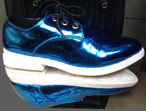 Туфли, лаковые на шнуровке, бирюза металлик, сникерсы.