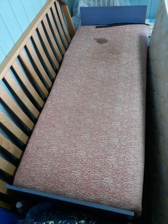 Продам кровать (тахта). Нужен ремонт пружинной части или её замена.
