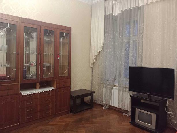 Сдам двух комнатную квартиру, в центре