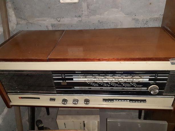 Продам радиолу Кантата 204