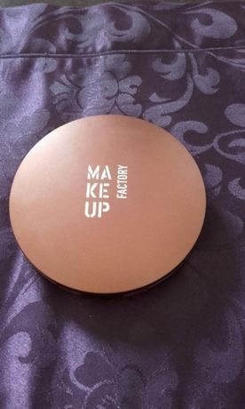 Puder Make up Factory