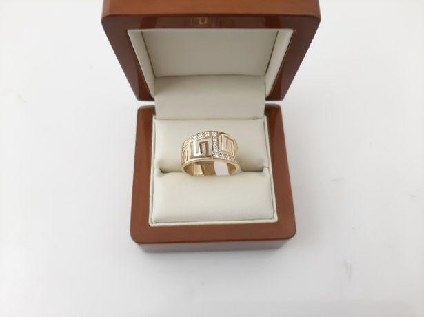 Złoty pierścionek - PR.585 2,87g - Nowe