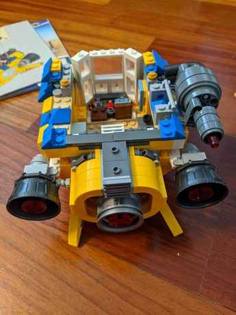 Конструктор LEGO Movie Дом мечты Эммета (70831)