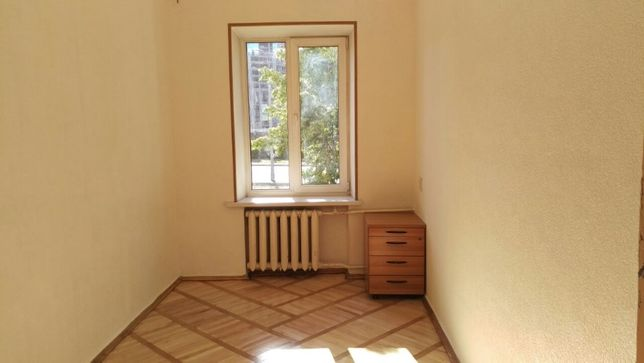 Сдам свой офис-кабинет возле новой почты с фасадным окном. Без %