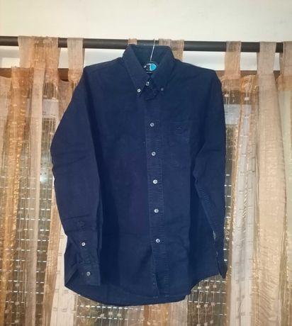 Camisa azul escura