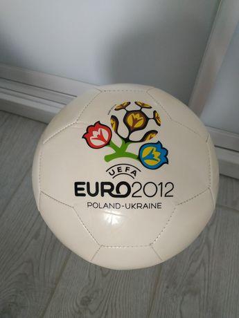 Футбольный мяч EURO-2012+ насос и игла