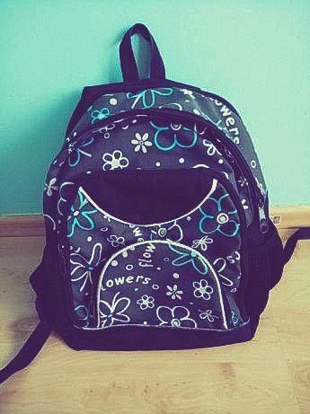 Plecak szkolny w kwiaty sztywne plecy