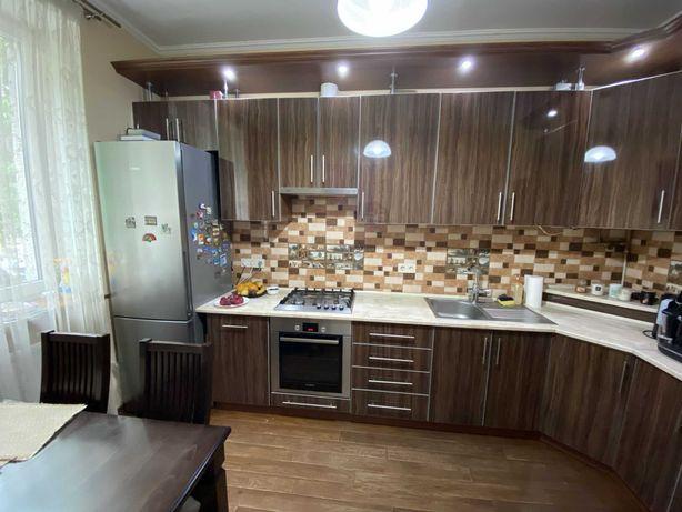 Продаж двокімнатна квартира люкс з ремонтом вул. Городоцька (р-н Цирк)