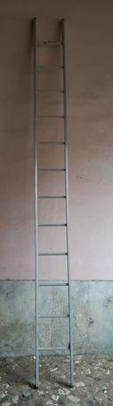 Escada de alumínio  12 degrau