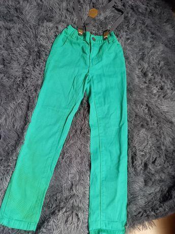 Zielone spodnie z szelkami