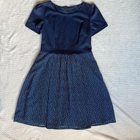 Zwiewna sukienka z krótkim rękawem