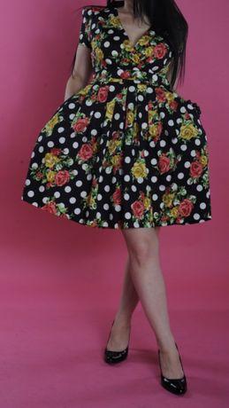 Платье нарядное 42 размер