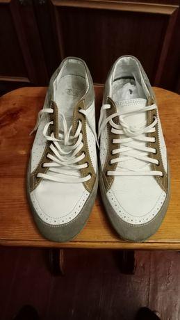 Продам кросівки Zara